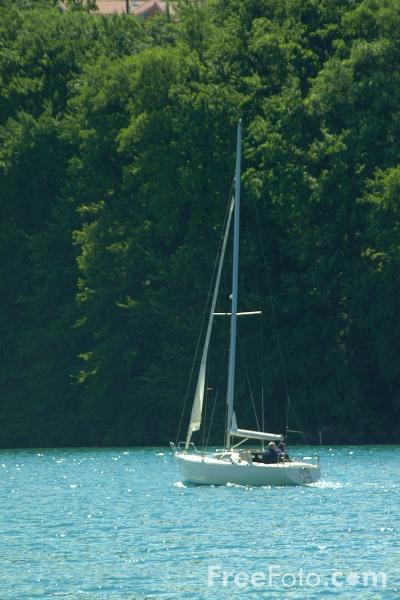 Picture of Sailing, Lake Thun, Berner Oberland, Switzerland - Free Pictures - FreeFoto.com