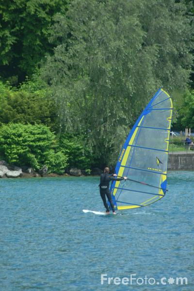 Picture of Wind Surfing, Lake Thun, Berner Oberland, Switzerland - Free Pictures - FreeFoto.com