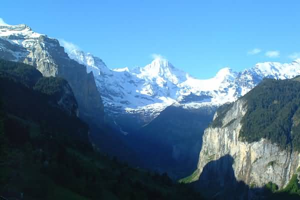 Picture of Lauterbrunnen Valley from Wengen, Berner Oberland, Switzerland - Free Pictures - FreeFoto.com