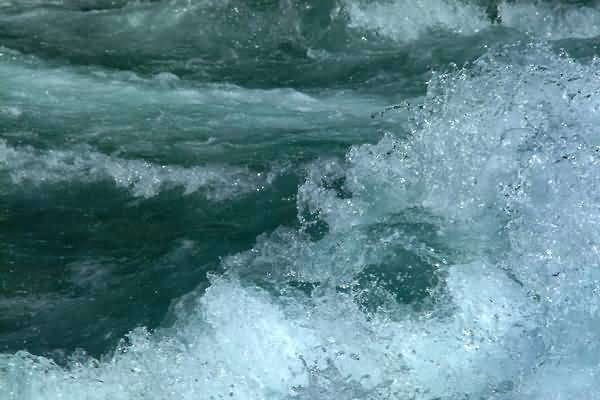 Picture of White Water, River Aare, Interlaken, Berner Oberland, Switzerland - Free Pictures - FreeFoto.com