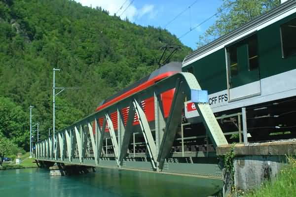 Picture of Railway Bridge, River Aare, Interlaken, Berner Oberland, Switzerland - Free Pictures - FreeFoto.com
