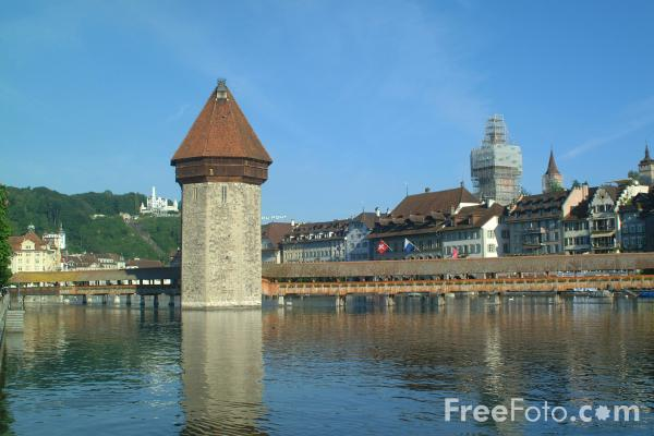 Picture of Chapel Bridge, Lucerne, Switzerland - The Kapellbruecke, Luzern, Die Schweiz - Free Pictures - FreeFoto.com