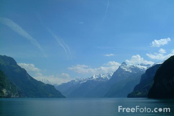 Picture of Lake Lucerne, Switzerland / Vierwaldstättersee, Die Schweiz - Free Pictures - FreeFoto.com