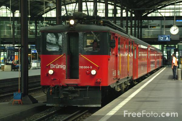 Picture of Railway Station, Lucerne, Switzerland / Hauptbahnhof, Luzern, Die Schweiz - Free Pictures - FreeFoto.com