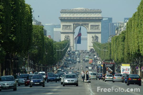 Picture of Avenue de Champs-Élysées, Paris, France - Free Pictures - FreeFoto.com