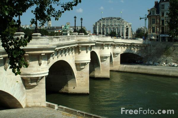 Picture of Pont Neuf, The River Seine, Paris, France - Free Pictures - FreeFoto.com