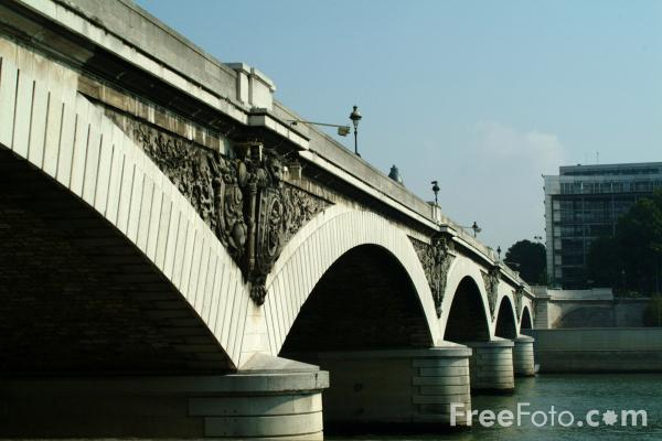 Picture of Pont d'Austerlitz, The River Seine, Paris, France - Free Pictures - FreeFoto.com