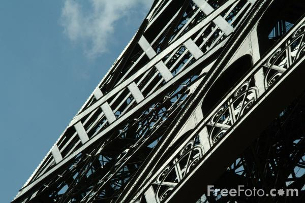 Picture of Eiffel Tower, Paris, France - Free Pictures - FreeFoto.com