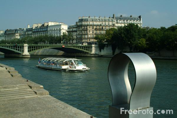 Picture of Sculpture, Paris, France - Free Pictures - FreeFoto.com