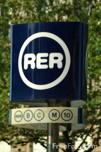 Picture of Paris RER Sign - Free Pictures - FreeFoto.com