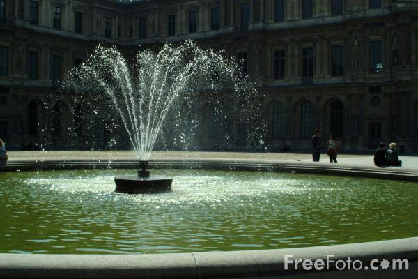 Picture of Fountain, The Louvre, Paris, France - Free Pictures - FreeFoto.com
