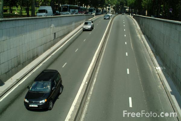 Picture of Traffic, Paris, France - Free Pictures - FreeFoto.com