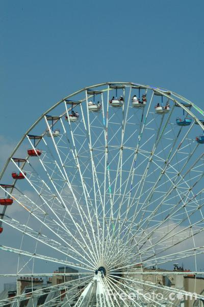 Picture of Big Wheel, Jardin des Tuileries - Tuileries Gardens, Paris, France - Free Pictures - FreeFoto.com