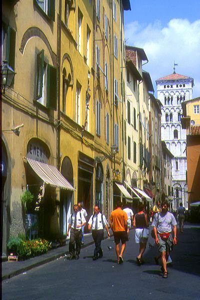 Picture of Lucca, Tuscany, Italy - Free Pictures - FreeFoto.com