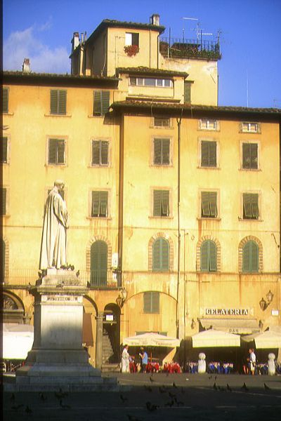 Picture of Piazza San Michelle, Lucca, Tuscany, Italy - Free Pictures - FreeFoto.com