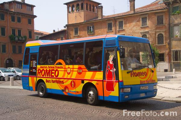 Picture of Tourist Bus, Verona, Italy - Free Pictures - FreeFoto.com