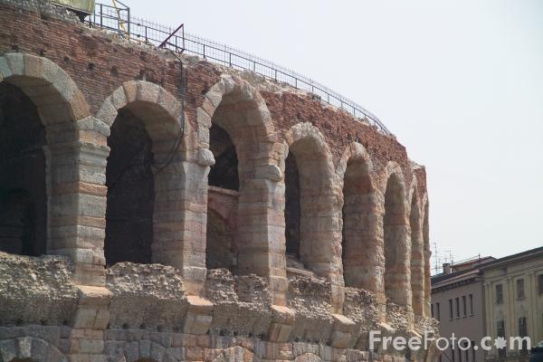 Picture of Roman amphitheatre, the Arena, Verona, Italy. - Free Pictures - FreeFoto.com