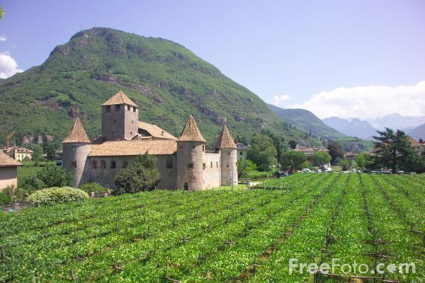 Picture of Schloss Maretsch, Bolzano, Italy - Free Pictures - FreeFoto.com