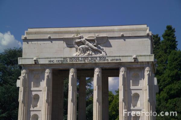 Picture of The Victory Monument, Bolzano, South Tyrol, Italy - Free Pictures - FreeFoto.com