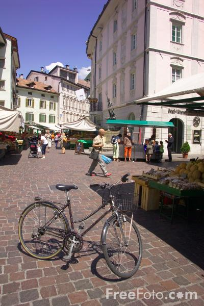 Picture of Bolzano, South Tyrol, Italy - Bozen, Alto Adige - Free Pictures - FreeFoto.com