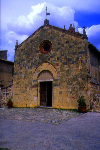 Picture of Romanesque Church, Monteriggioni, Tuscany, Italy - Free Pictures - FreeFoto.com