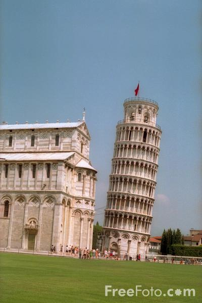 Picture of The Leaning Tower of Pisa, Tuscany, Italy - Free Pictures - FreeFoto.com