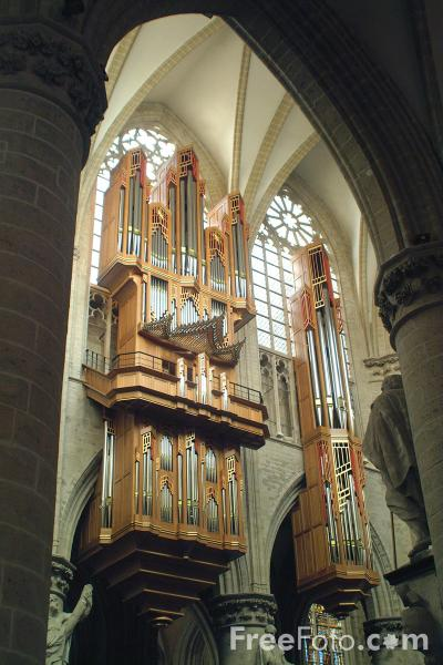 Picture of Pipe Organ, Cathedral of St. Michael and St. Gudula, Brussels, Belgium - Free Pictures - FreeFoto.com