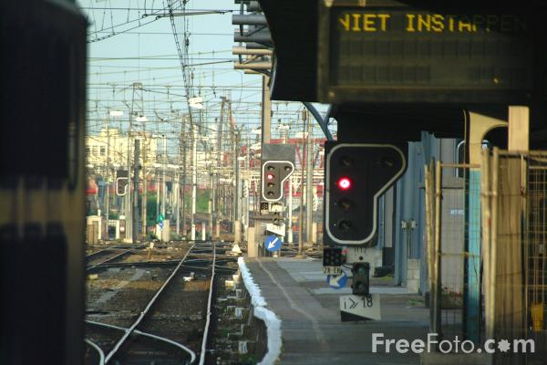 Picture of Gare du Midi, Brussels, Belgium - Free Pictures - FreeFoto.com