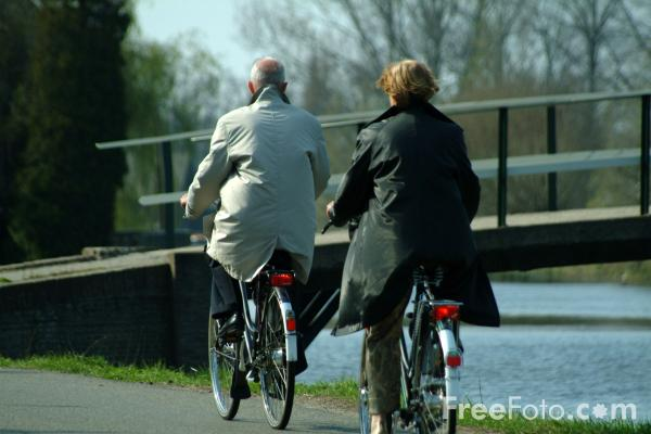 Picture of Cycling, Alblas, Holland - Free Pictures - FreeFoto.com