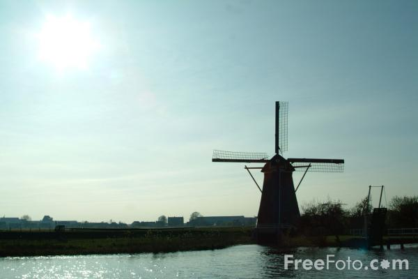 Picture of Windmill, Kinderdijk - Kinderdyke, Holland - The Netherlands - Free Pictures - FreeFoto.com