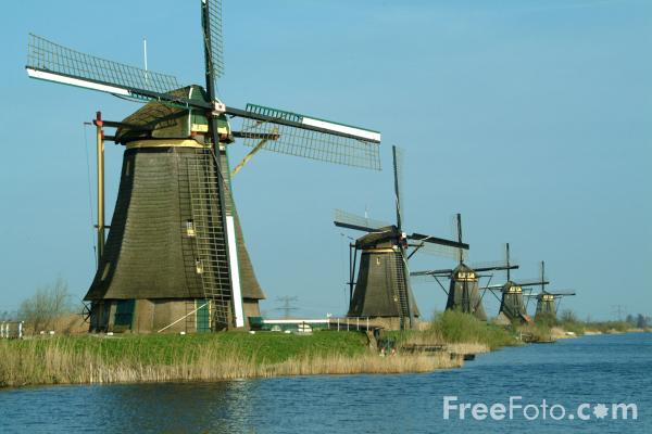 Picture of Line of Windmills, Kinderdijk, Holland - Free Pictures - FreeFoto.com