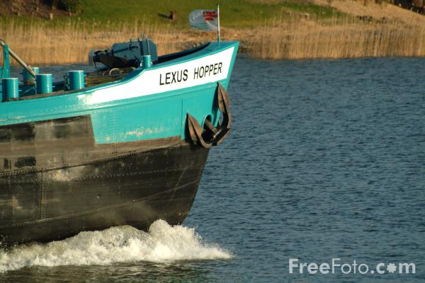 Picture of barge river lek holland the netherlands free pictures