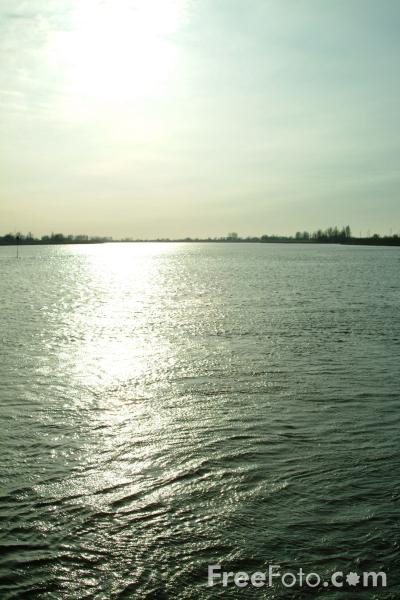 Picture of River Lek, Holland - The Netherlands - Free Pictures - FreeFoto.com