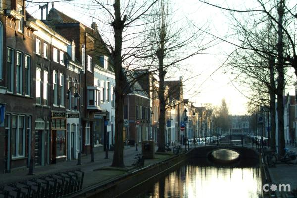 Picture of Canalside Street, Gouda, Holland - The Netherlands - Free Pictures - FreeFoto.com