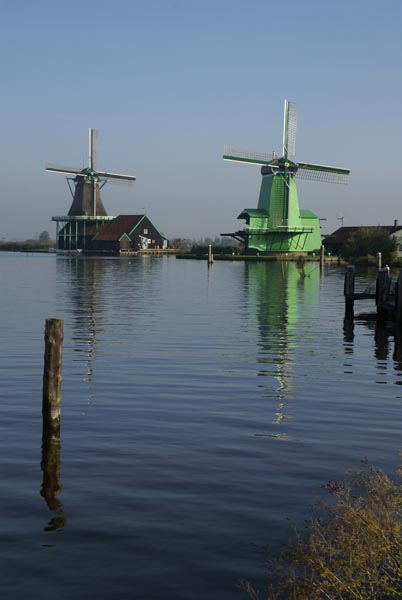 Picture of Windmill, Holland - The Netherlands - Free Pictures - FreeFoto.com