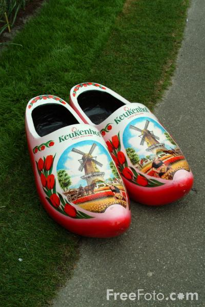 Picture of Clogs, Keukenhof, Holland - The Netherlands - Free Pictures - FreeFoto.com