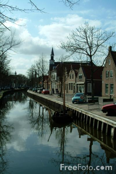 Picture of Canal, Edam, Holland - Free Pictures - FreeFoto.com