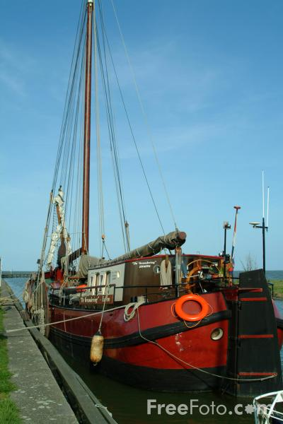 Picture of Sailing Ship, Edam, Holland - Free Pictures - FreeFoto.com