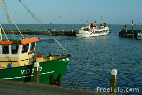 Picture of Fishing Boat, Volendam, The Netherlands - Free Pictures - FreeFoto.com