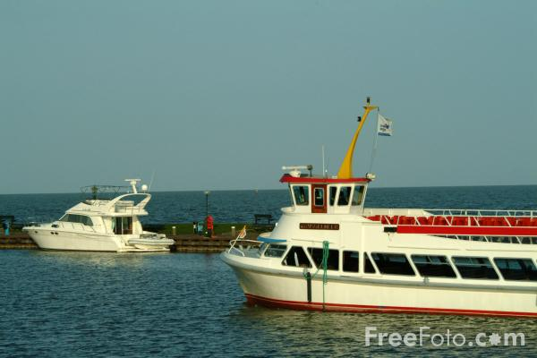 Picture of Marken express ferry, Volendam, Holland - Free Pictures - FreeFoto.com