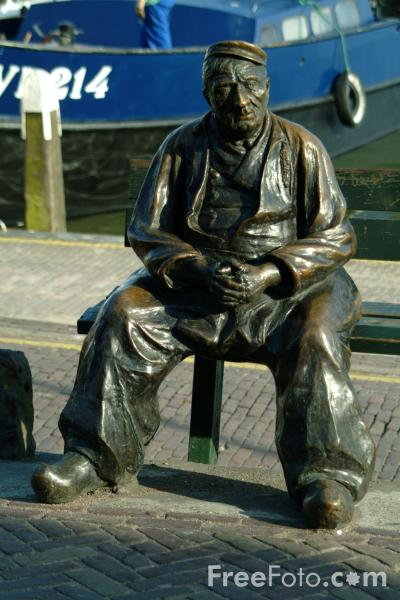 Picture of Sculpture, Volendam, Holland - Free Pictures - FreeFoto.com
