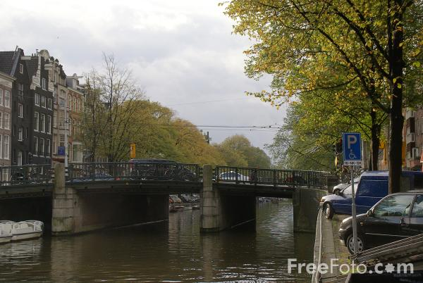 Picture of Canal, Amsterdam, The Netherlands - Free Pictures - FreeFoto.com