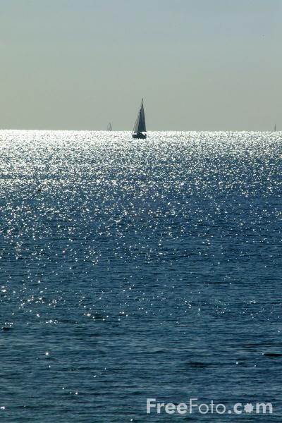 Picture of Yacht, The English Channel - Free Pictures - FreeFoto.com