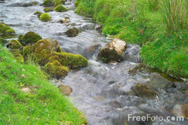 Picture of Stream of running water - Free Pictures - FreeFoto.com
