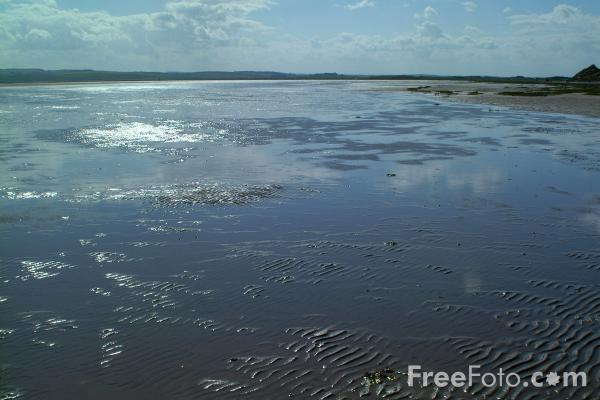 Picture of Low Tide, Holy Island, Northumberland - Free Pictures - FreeFoto.com