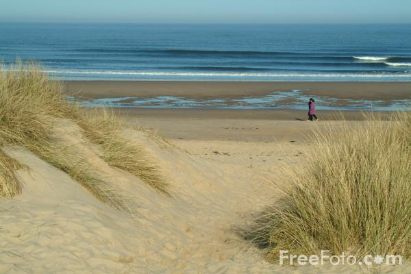 Picture of The Beach, Druridge Bay, Northumberland - Free Pictures - FreeFoto.com
