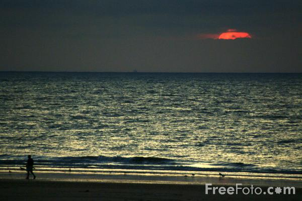 Picture of Sunset, The English Channel, Calais, France - Free Pictures - FreeFoto.com