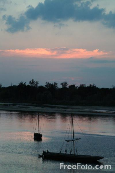 Picture of Sunset, River Loire, France - Free Pictures - FreeFoto.com
