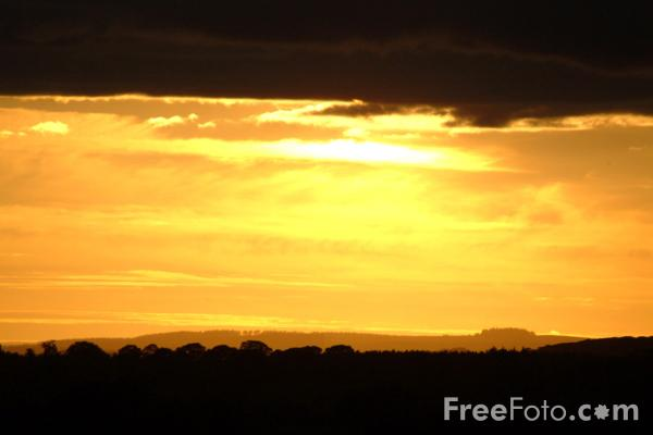 Picture of Sunset, Wallridge, Northumberland - Free Pictures - FreeFoto.com