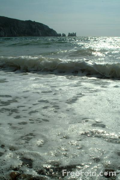 Picture of The Sea, Alum Bay, Isle of Wight - Free Pictures - FreeFoto.com